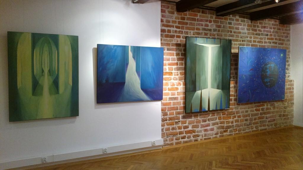 b. wystawa w Galerii Muz